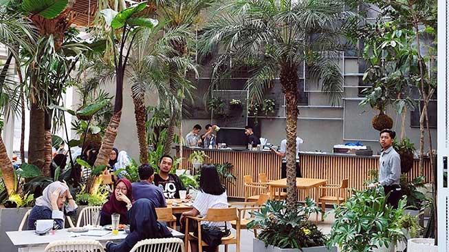 Suasana Jardin Cafe Bandung